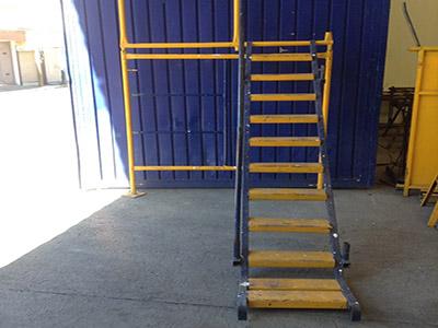 Renta de andamios escaleras y accesorios en morelia for Escaleras y andamios